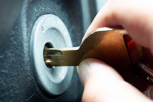 ドライブレコーダーのおすすめ ドライブレコーダーの選び方 エンジンと連動